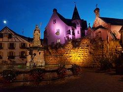 LEON IX, son château et sa chapelle sur la place