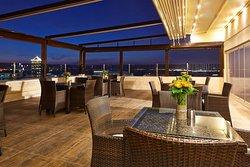 DoubleTree by Hilton Izmir - Alsancak