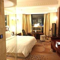 Baoluo Zhouji Hotel