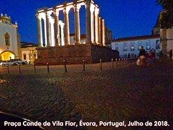 Praça Conde de Vila Flor