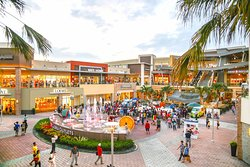 Gloria Outlets