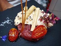"""Tuna tartare with burrata cheese's stracciatella """"alla 'Nduja"""" 👌"""