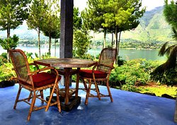 Juwita Cafe - Lake View