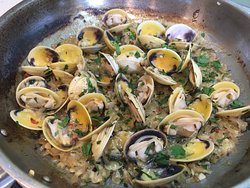 Pippi clams bursting open ready for the freshly made spagetti