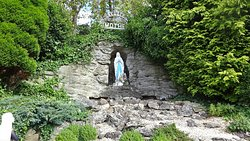 National Shrine of Our Lady of Lourdes, Carfin Grotto