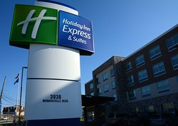 Holiday Inn Express & Suites Pittsburgh - Monroeville