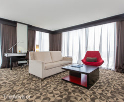 The Double Queen Junior Suite Bay View at the Hilton Miami Downtown