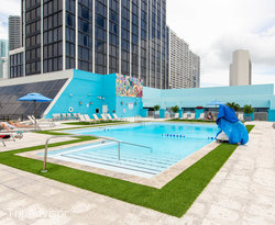 The Pool at the Hilton Miami Downtown