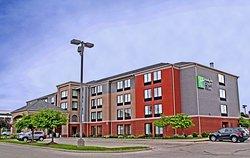 開普吉拉多 I-55 號智選假日套房飯店