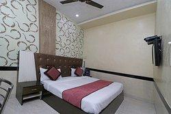 OYO 7885 Hotel Myraa