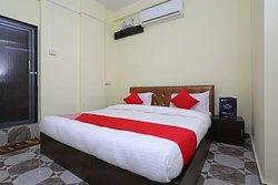 OYO 11547 Hotel Mona Palace