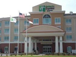 Holiday Inn Express Hotel & Suites Smithfield-Selma I-95