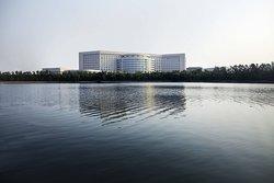 ルネッサンス 天津 レイクビュー ホテル (天津万豪湖景行政公寓)