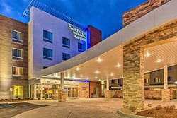 Fairfield Inn & Suites St. Louis Westport