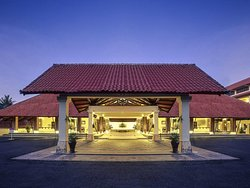 Mercure Manado Tateli Resort and Convention