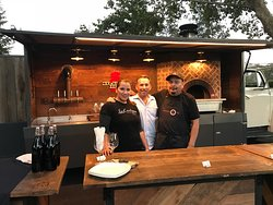 Amazing Pizza truck and wine tasting experience!