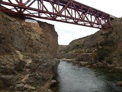 puente sobre el rio Nirihuau