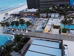 Beautiful Room, Unusable Beach, Pool Maintenance/Closed During Stay