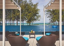 Splash Beach Resort by Langham Hospitality Group