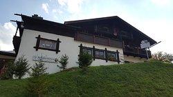 Wirtshaus Hocheck vom Tal aus