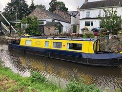 Road House Narrowboats