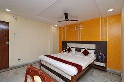OYO 3212 The Altira Hotel