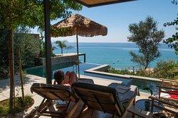 Raw Retreat villa with Pool