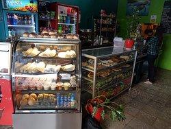 El Bus Cafe & Snacks