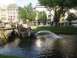 Tritonenbrunnen