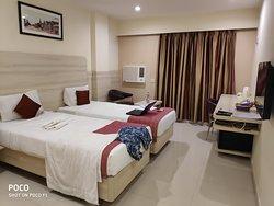 Pratap Plaza Hotel
