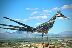 ‪Recycled Roadrunner Sculpture‬