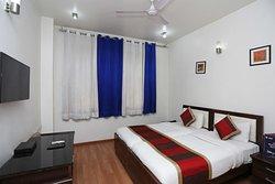 OYO 947 Hotel Palazzo Di Lara