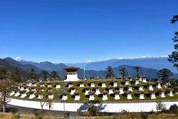 Druk Wangyel Corten 108 stupa, 108 Mt between Thimphu-Punakha on the way we can beautiful mounta