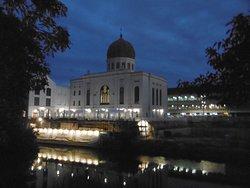 La sinagoga al chiaror di Luna