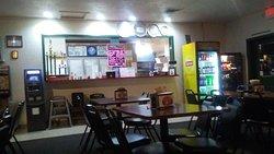 Ugo's Pizza Parlor