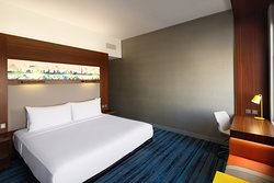King Aloft Guest Room