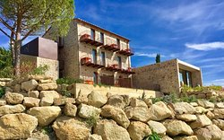 Valdonica Winery & Vineyard Residence