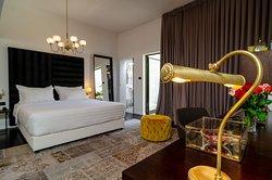 Lear Sense - Experience Luxury Hotel