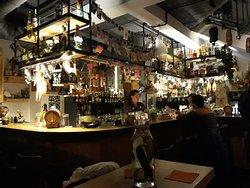 Kiti Bar