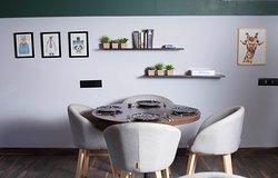 Divo Cafe & Bar