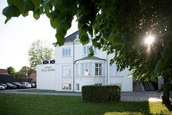 Kahler Villa Dining