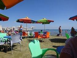 Fini's Beach Bar