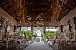 Wedding decor in the Gabi Club/Market Room