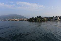 Озеро Лаго-Маджоре. Вид на Вербанию и Изолотто Джовани.