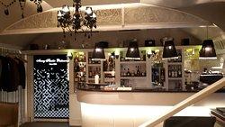 Bar (353458579)