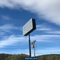 Deer Lodge Motel
