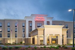 Hampton Inn & Suites Savannah Airport