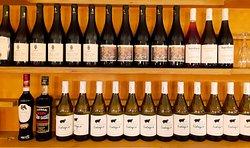 selezione di vini e liquori abruzzesi