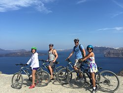 Bike tour with Electric ebike, around the island, bicycle caldera, wine testing, eco bike santor