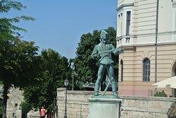 Öreg huszár szobor